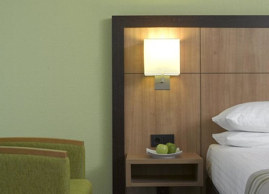 Holiday Inn Dusseldorf Airport Ratingen: 25-30 qm rooms over enough space.