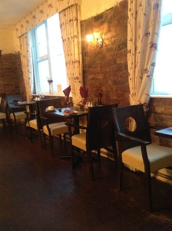 Brownes International Hotel: Restaurant