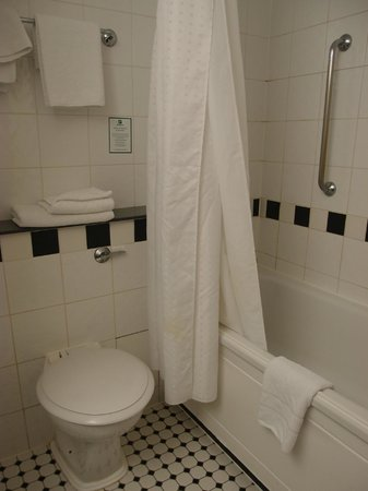 Holiday Inn London - Kings Cross / Bloomsbury : salle de bains ch. 354