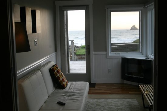 Arch Cape, OR: Entry Room