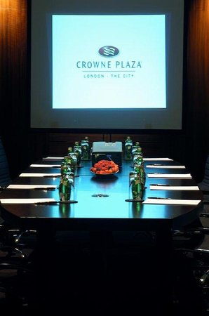 Crowne Plaza London - The City: The Executive Boardroom