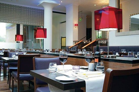 Crowne Plaza Hotel Reading: Acqua Restaurant