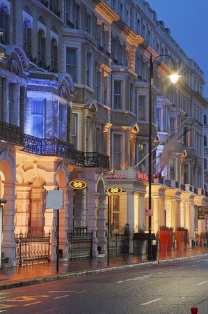 Crowne Plaza London Kensington: Hotel Exterior