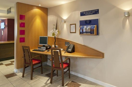 Holiday Inn Express Poole: WiFi available throughout the hotel
