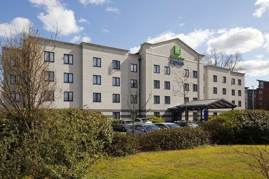 Holiday Inn Express Poole: Accommodation in Poole with free parking