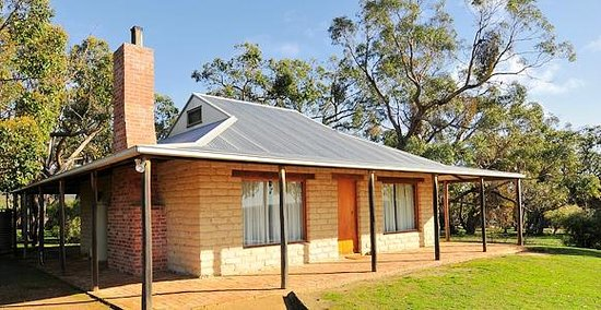 Grampians Pioneer Cottages: Mudbrick Cottage
