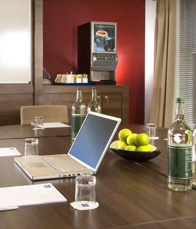 Holiday Inn Express Bristol - North : Meeting Room