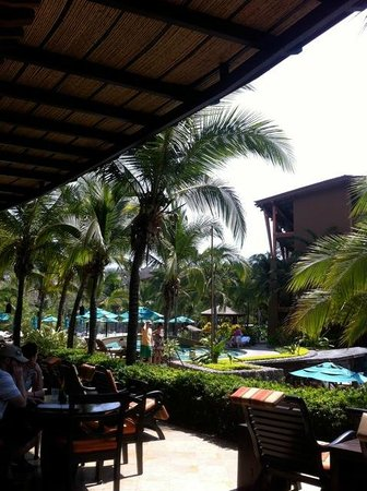 Four Seasons Resort Costa Rica at Peninsula Papagayo: Lunch by the pools