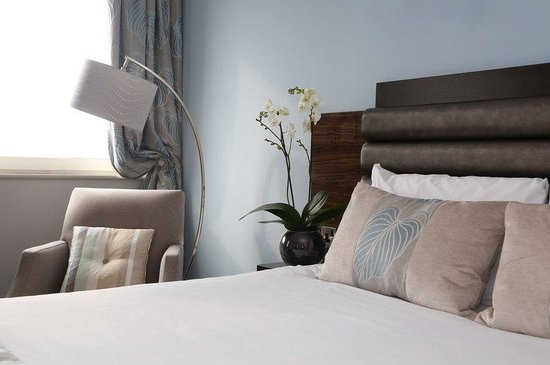 Jurys Inn Chelsea: Laura Ashley Guest Room