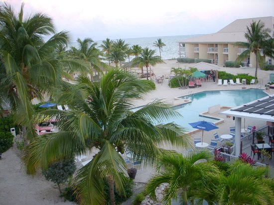 The Grand Caymanian Resort: Grand Caymanian at sunset