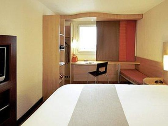 Barking, UK: Guest Room