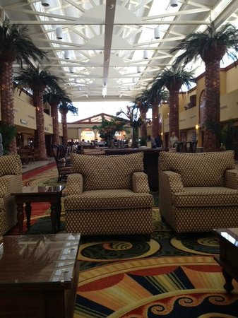 TradeWinds Island Grand Beach Resort: Main Lobby Area