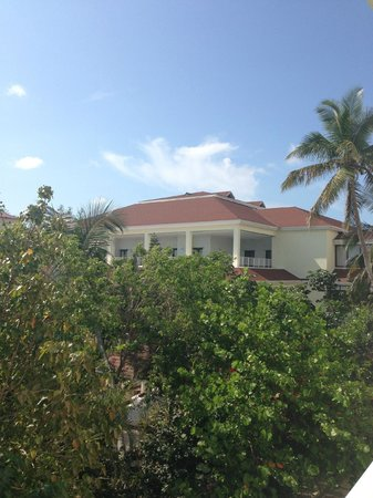 Breezes Resort Bahamas: The main building