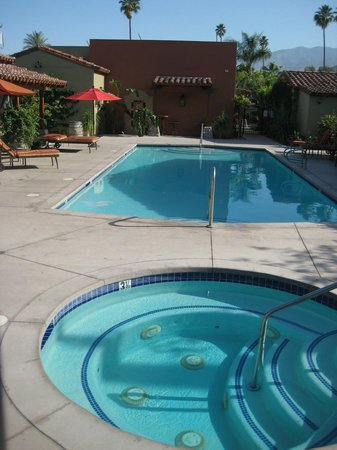 Los Arboles Hotel: Pool and Hottub