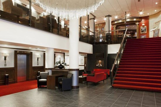 Holiday Inn Amsterdam : The Lobby