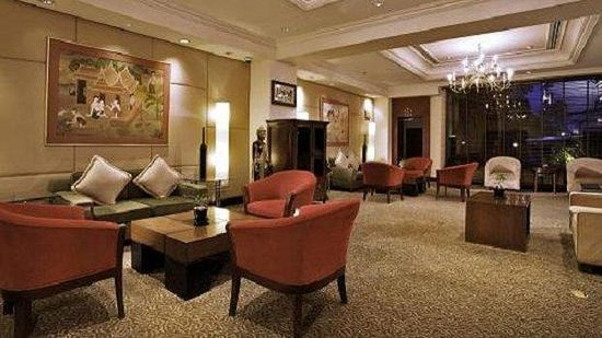 President Solitaire Hotel &amp; Spa: Lobby