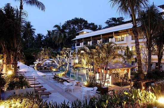 Horizon Karon Beach Resort & Spa: Hotel Exterior