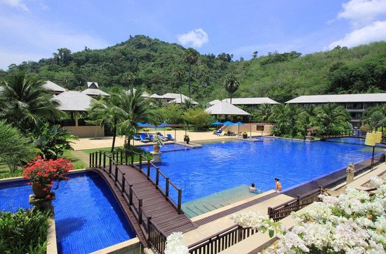 Imperial Adamas Beach Resort, Phuket: Main Swimming Pool Resize
