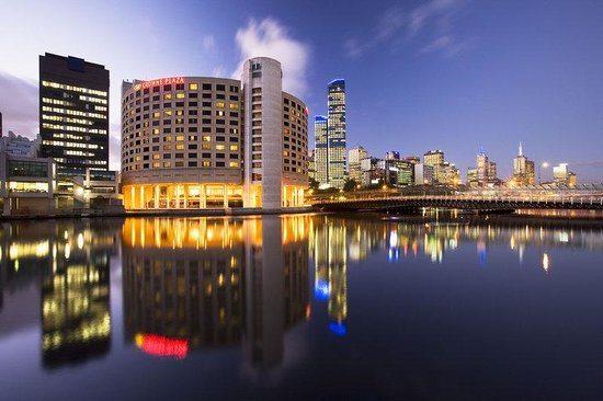 Crowne Plaza Melbourne on the banks of the Yarra