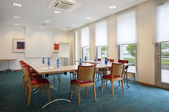 Holiday Inn Express Geneva Airport: Meeting Room