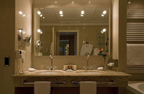 Hotel Splendide Royal: Bathroom Executive Room