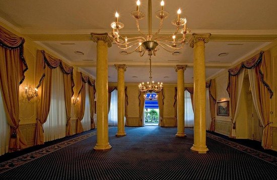 Hotel Splendide Royal: Ballroom