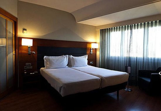 AC Hotel Carlton Madrid by Marriott: Standard Guest Room