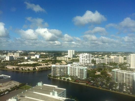 Westin Diplomat Resort and Spa: intercoastal view