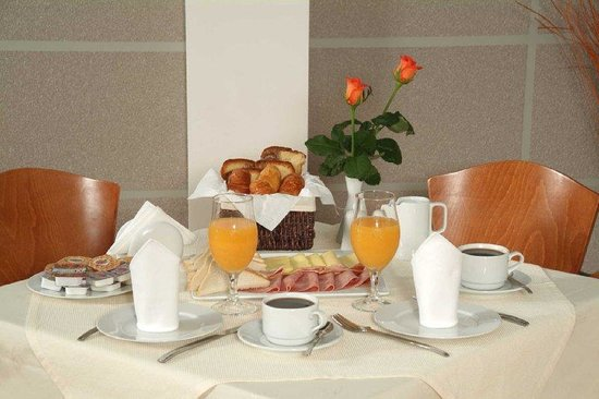 Mirabello Hotel: Breakfast