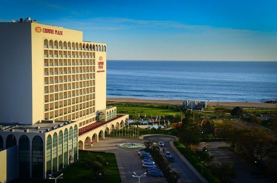 Crowne Plaza Vilamoura - Algarve: Sea front location