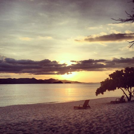 Club Paradise Palawan: Sunset