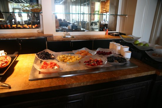 Ritz-Carlton Grand Cayman: Breakfast at Seven