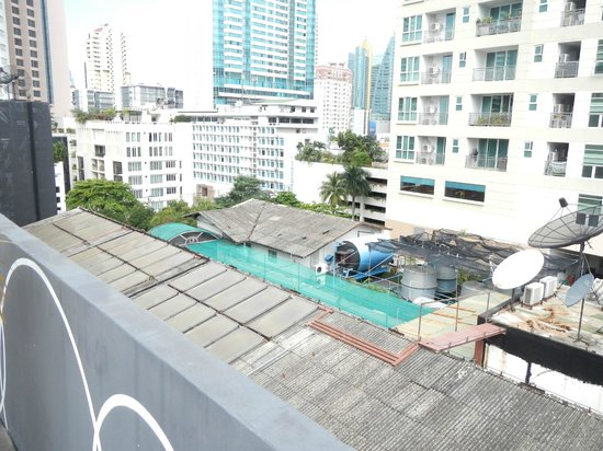 Citrus Sukhumvit 22 Hotel Bangkok: View from roof
