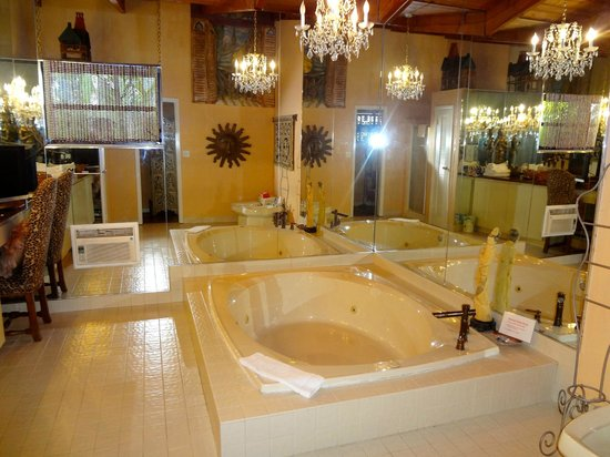 Casa Thorn Bed & Breakfast: Moroccan Jacuzzi