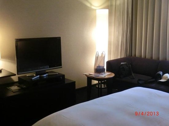 Hotel Granvia Kyoto: Another view of the room