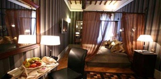 The Inn At The Spanish Steps: Guest Room D