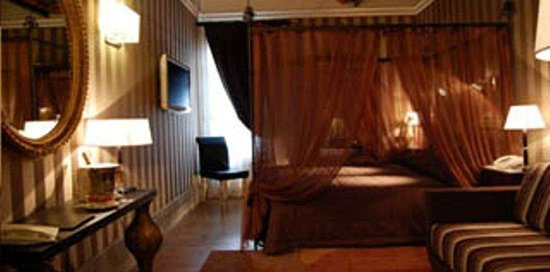 The Inn At The Spanish Steps: Guest Room E