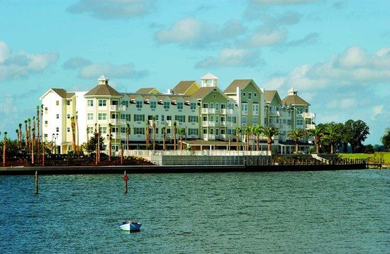 The Villages, FL: Waterfront Inn