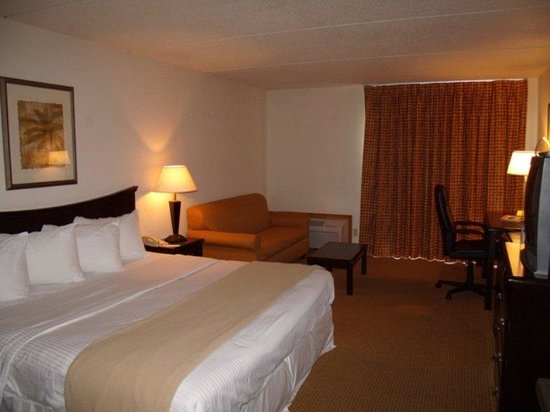 Inn At Grand Glaize: Lake View King Room