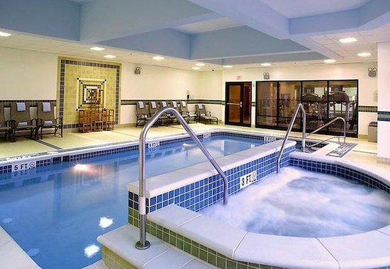 Fairfield Inn &amp; Suites Pittsburgh Neville Island: Indoor Pool