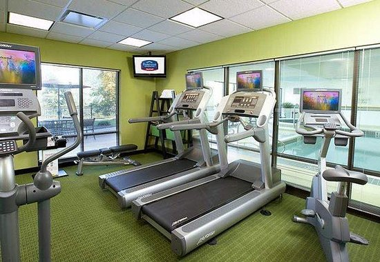 Fairfield Inn &amp; Suites Pittsburgh Neville Island: Fitness Center