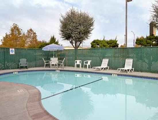 Gilroy, Kalifornien: Pool