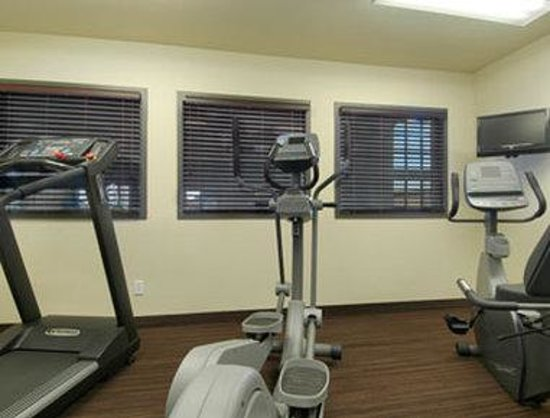 Super 8 Lachenaie/Terrebonne: Fitness Center