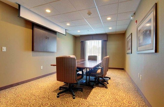 West Bend, WI: Glacier Board Room
