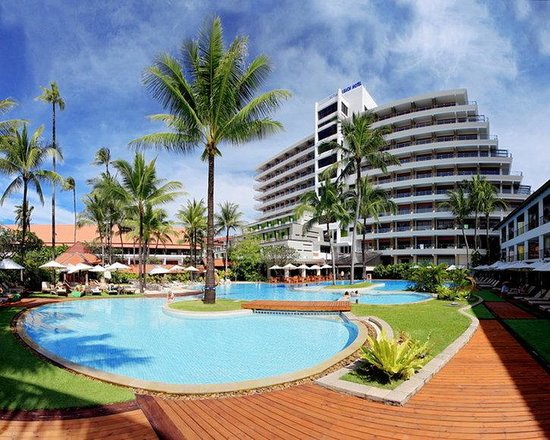 Patong Beach Hotel: Swimming Pool