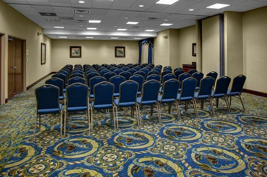 Holiday Inn Express Downtown Richmond: This room can be split into two meeting rooms.