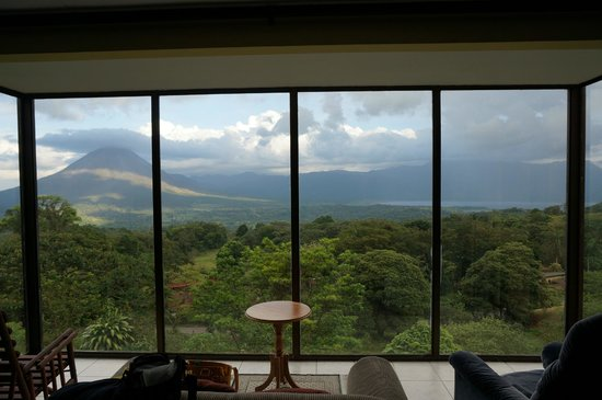 Arenal Lodge: View of the volcano from our chalet
