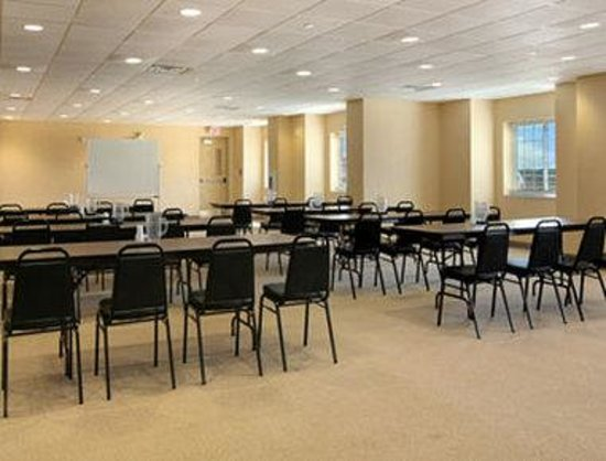 Quincy, IL: Meeting Room