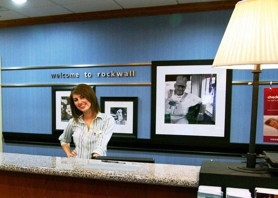 Rockwall, TX: Front Desk Staff