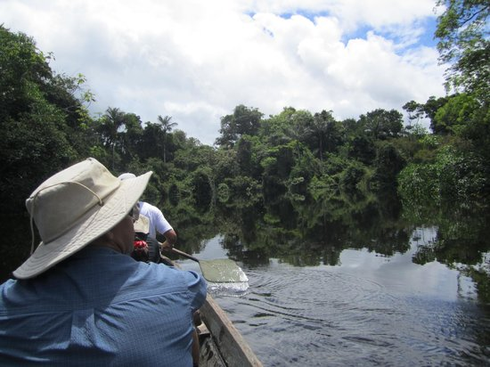 Amazonia Expeditions' Tahuayo Lodge: Canoeing